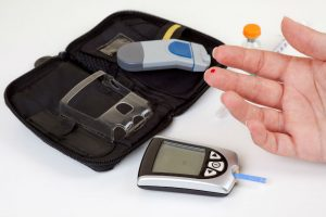 Top 3 Best Glucose Monitoring Kit in 2017